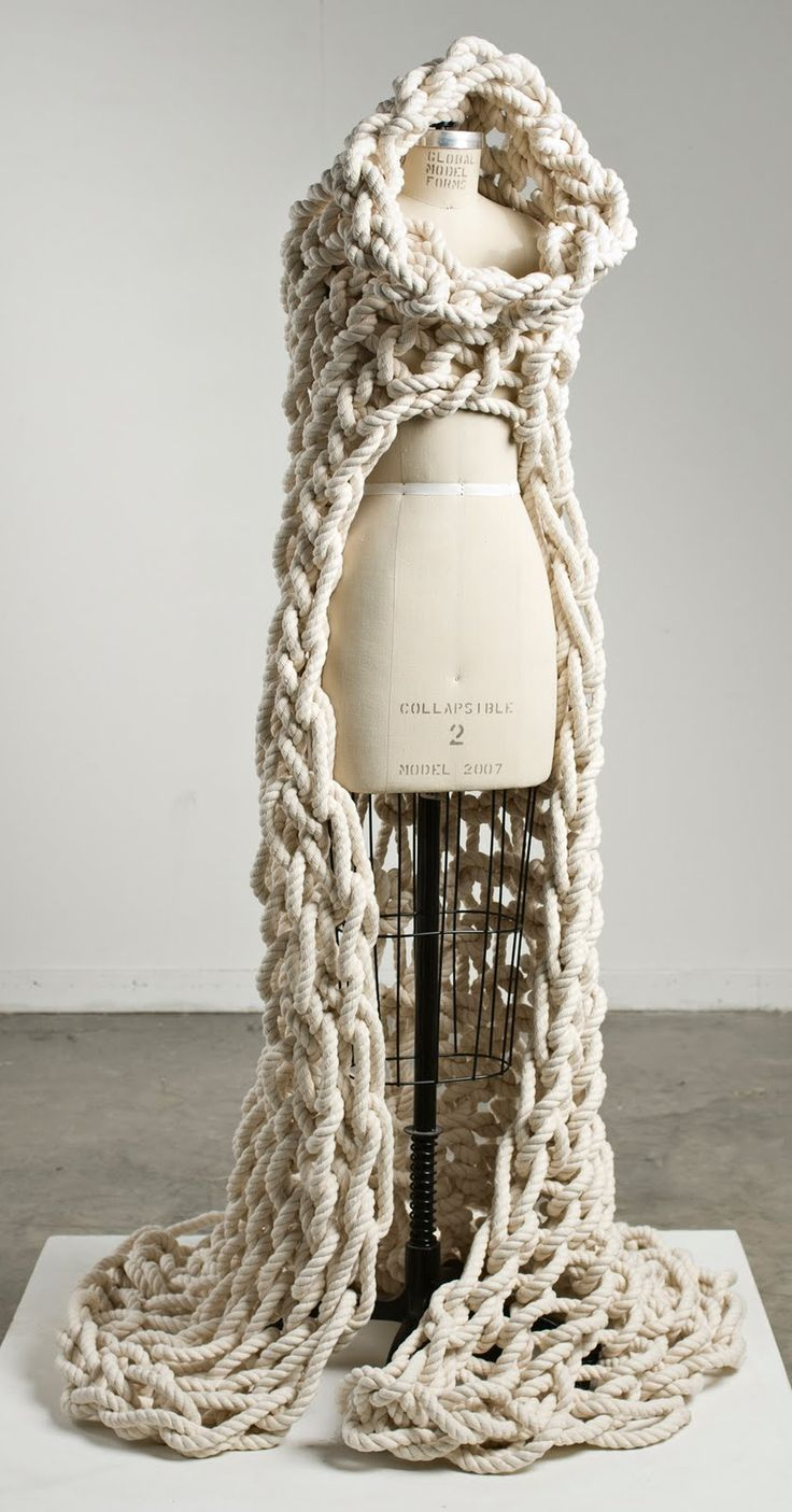 knit rope drape - I sooooooo wanted to know how its done, but its only a picture. If somebody knows how to - PLEASE tell me!