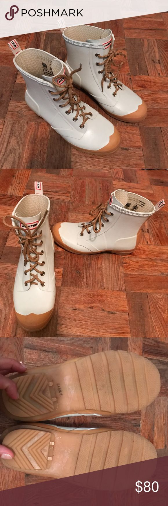 Hunter lace-up ankle rain boots, size 9.5 Rain boots from Hunter, white with laces. They fit perfect for feet that is 25.5 cm long. I don't remember the size when I bought them and it faded. It should be 9/10. Good used condition Hunter Boots Shoes Winter & Rain Boots