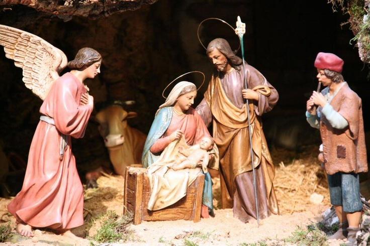 Que el Señor los bendiga en estas fiestas!!!!! Nacimiento en el Belén de la Comunidad de Madrid en la Puerta del Sol