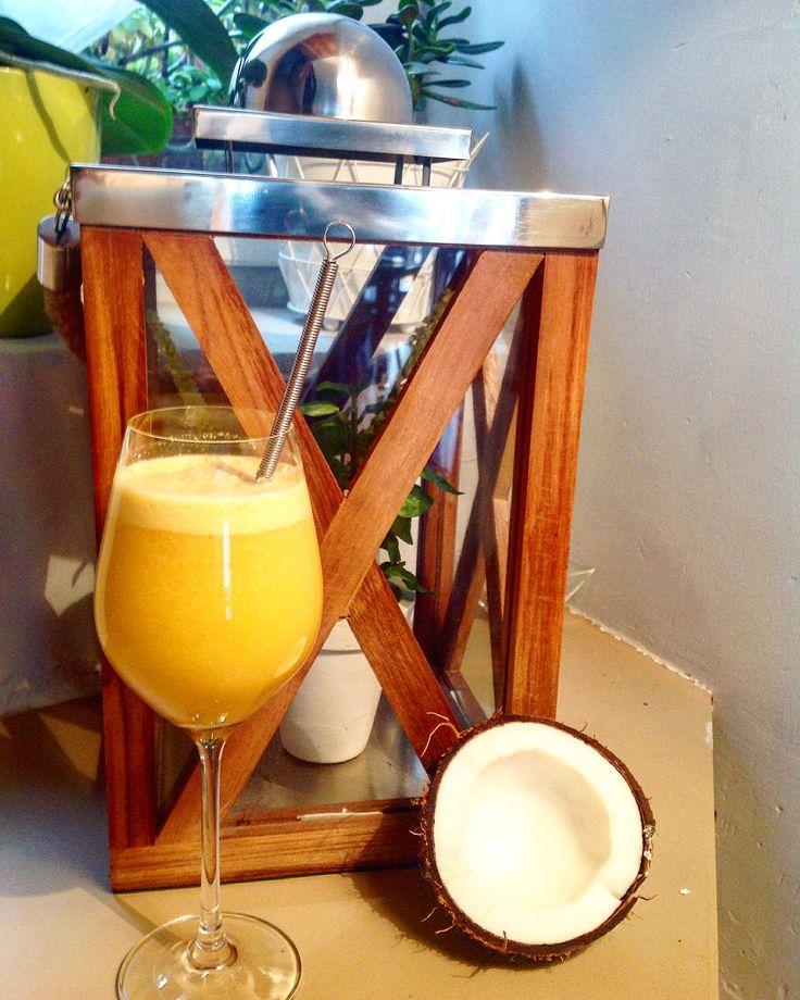 Délicieux jus bio. Exctracteur de jus. http://les-kifs-de-sandra.com/jus-coco-ananas-et-cie/ #jus