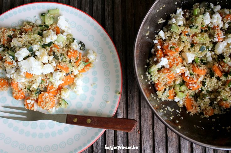 Een gezonde salade kan je deze quinoa met geroosterde wortelen wel noemen. Heerlijk als lunch of bijgerecht.