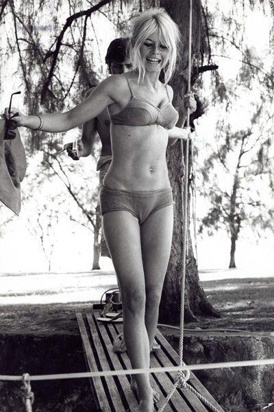Tendances maillot de bain: le style des stars à la plage, Marilyn Monroe…                                                                                                                                                      Plus