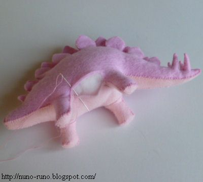 Felt stuffed Stegosaur tutorial