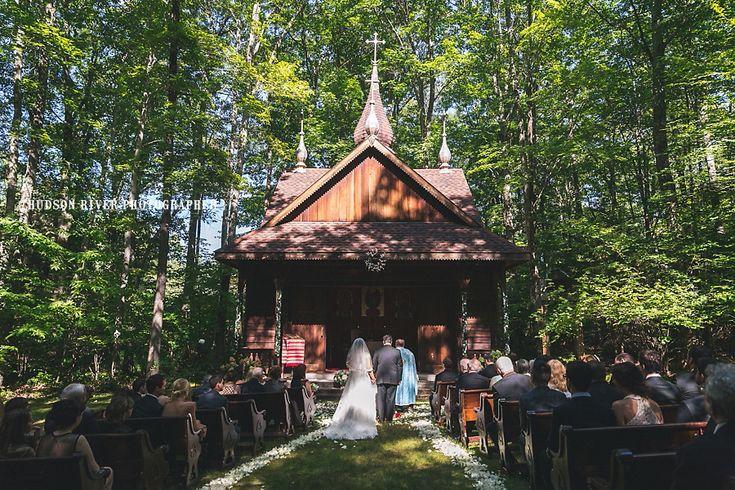 Mohonk Mountain House Wedding - Catskills Destination Wedding | New York Hudson Valley Wedding Photographer