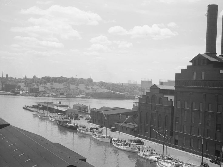 These are great old photos of the Baltimore waterfront from 1938. Thanks to the Library of Congress for these. Source: Library of Congress