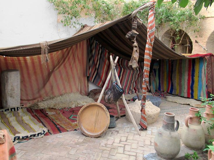 Tozeur was an oasis on the medieval caravan routes across the Sahara. This Bedoiun tent is in the Musee Archeologique et Traditionel in the Medina De Tozeur.