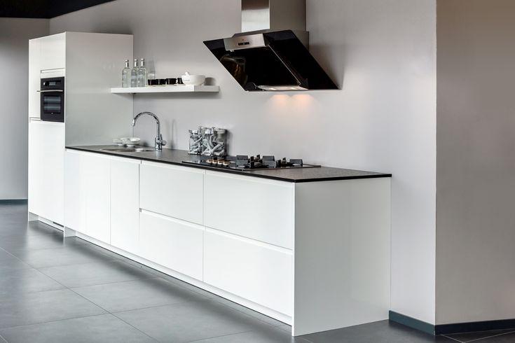 Moderne keuken in wit hoogglans | DB Keukens