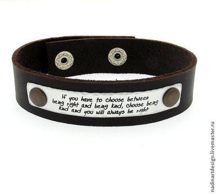 """Кожаный браслет """"Пару слов"""". Стильное украшение для мужчин - коричневый"""
