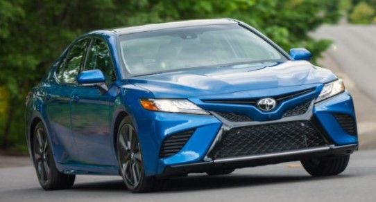 2021 toyota camry hybrid xle sedan review ratings describing the rh pinterest com