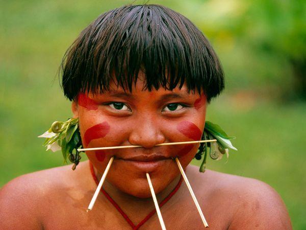 Venezuelan Indian - Indian woman with wooden face piercings