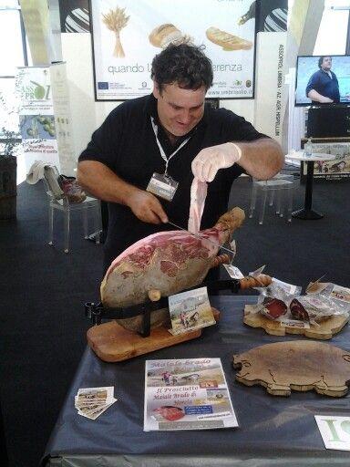 Solo eccellenze #umbre allo stand #Assoprol..prosciutto di maiale cresciuto allo stato brado