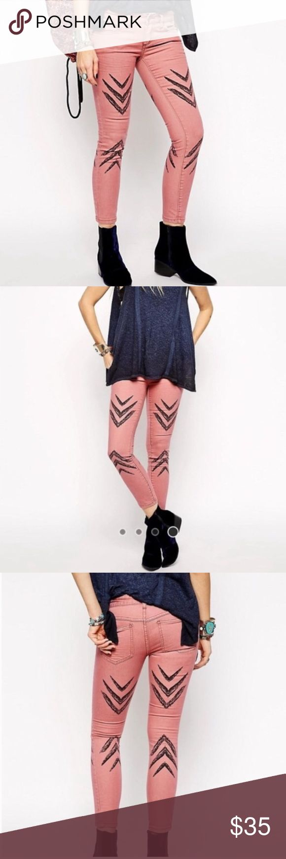 Free People Dotted Ikat Arrow Chevron Skinny Free People Dotted Ikat Arrow Chevron Skinny Jeans / Pants. Ankle length skinny jeans with dotted ikat print on the front and back. 5-pocket style with zipper and button fly closure. Just a touch of stretch for a comfortable and flattering fit. Super cute, boho look. Run true to size. The color is a bold terra cotta / brick, most true to my photos. Sold out on FP website, retail $78. 78% Cotton, 20% Polyester, 2% Spandex ✨ never worn Free People…