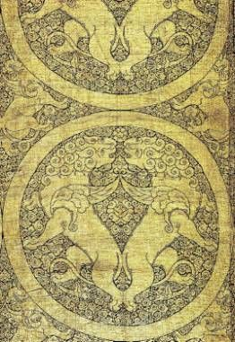 Textile with winged lions and griffins, Central Asia, mid-13th century. Lampas weave, gold thread on a silk foundation