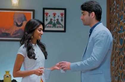 Kuch Rang Pyar Ke Aise Bhi: Is Ishwari getting suspicious of Sona and Dev?