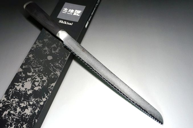 Made-in-Japan Thousands Selection of Kitchen Knives --- Japanese Sashimi and Sushi Knives --- with Excellent Design and Unparalleled Tradition. Direct Delivery from Japan Worldwide. Highly recommended for GIFT of Anniversary as well as for Your Best Professional Cooking Experience.