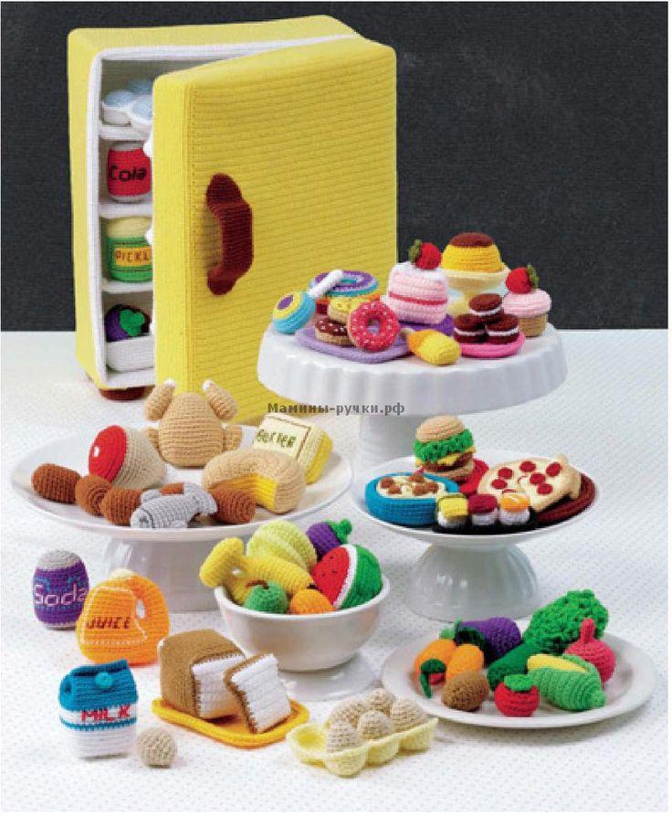 Вязаный крючком холодильник с продуктами
