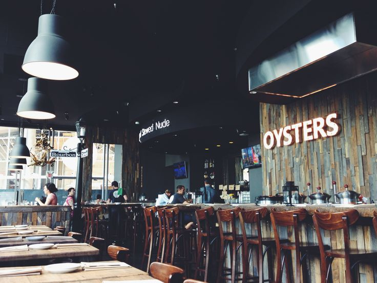 Chewies Steam & Oyster Bar (Coal Harbour), Downtown, Vancouver.