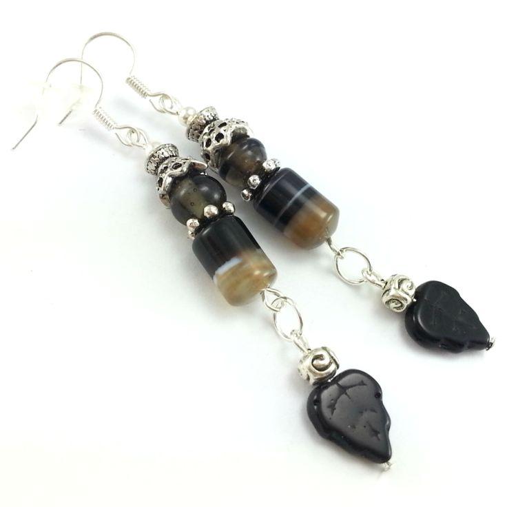Kolczyki z kamieniami czarnego agatu, szklą weneckiego i listków.