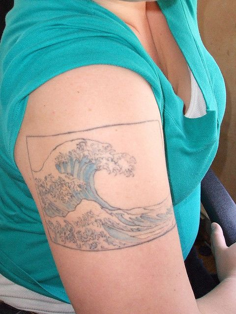 46 best images about ocean thigh tattoo on pinterest for Kanagawa wave tattoo