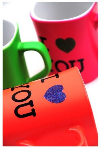K-waii - Set Tacitas Flúor Love http://www.regalitolindo.cl/product/138776/set-tacitas-fluor-love