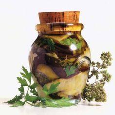 Μελιτζάνες σε ελαιόλαδο και σκόρδο