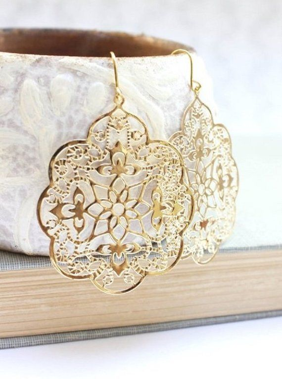 811fc67cf2852b These are gorgeous gold filigree earrings! The Spanish lace design has  intricate details and scalloped edges. These large dangle earrings are  modern yellow ...