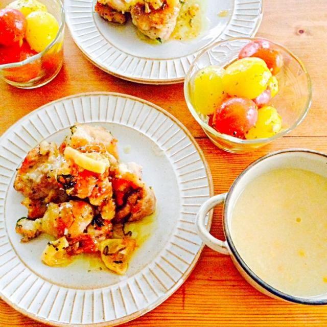 鶏唐揚げのレモンソース、さっぱりでおいしーー‼︎ - 18件のもぐもぐ - 鶏モモのレモンソース、コーンスープ、トマトのマリネ。 by megu111