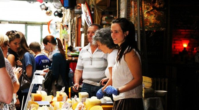 Budapest Sightseeing for Foodies - Hungarian cooking class and market walk