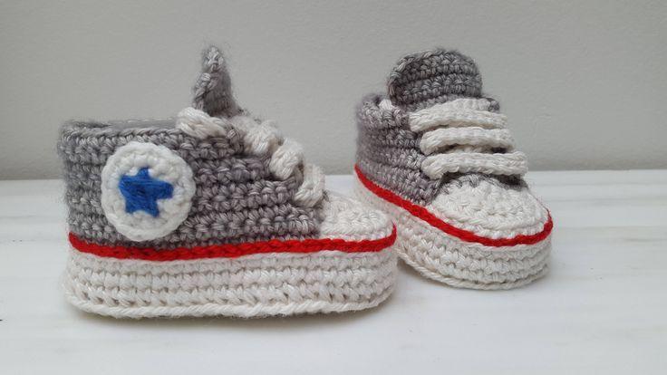 Gehaakte converse baby all stars sneakers schoentjes door HandmadeByGosia op Etsy