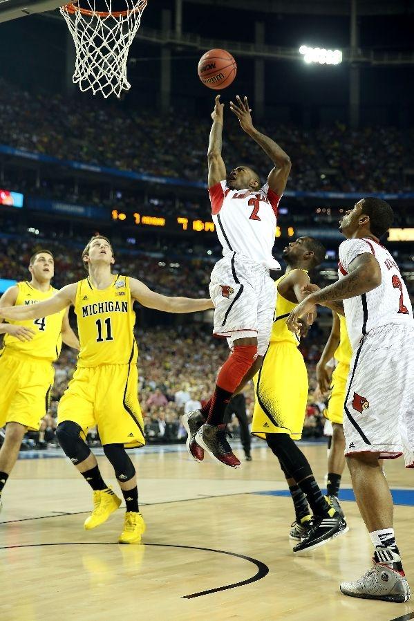 Louisville College Basketball - Cardinals Photos - ESPN