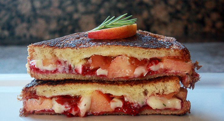 Grilled Cheese Academy - The Peach Melba