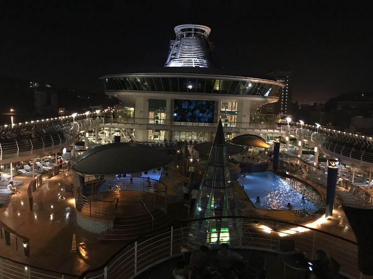 RC Voyager of the Seas cruise ship