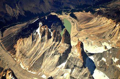 Torres del Paine desde el avión (by Carlos Díaz)