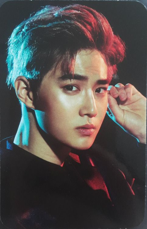 Suho - 160713 EXO Lightstick 2.0 photocard Credit: 니니옐.
