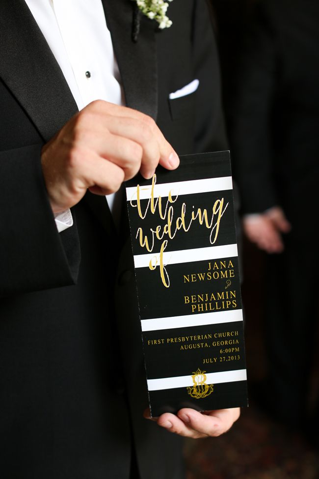 Timeless and Elegant Black and Gold Southern Wedding - see more at http://fabyoubliss.com | @Fab You Bliss