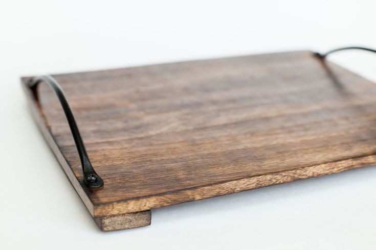 Деревянный поднос из манго с винтажными ручками   Лес домой