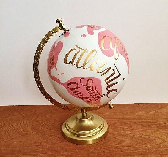 Pintado el globo globo del mundo pintados a por DanielleContiArt
