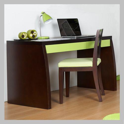 ESCRITORIO CON CAJONES VERDE EM-02 Moderno escritorio en madera color clásico con contraste de acabado verde en los dos cajones. El diseño se presta para se ubicado en una habitación de niño o niña ya que usted puede escoger el color que más le guste a su hijo. La silla no está incluida en el precio.