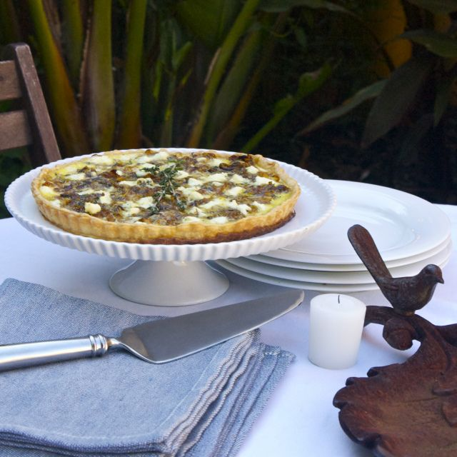 Caramelized Onion Tart with Goat Cheese + Thyme | This would be quite ...