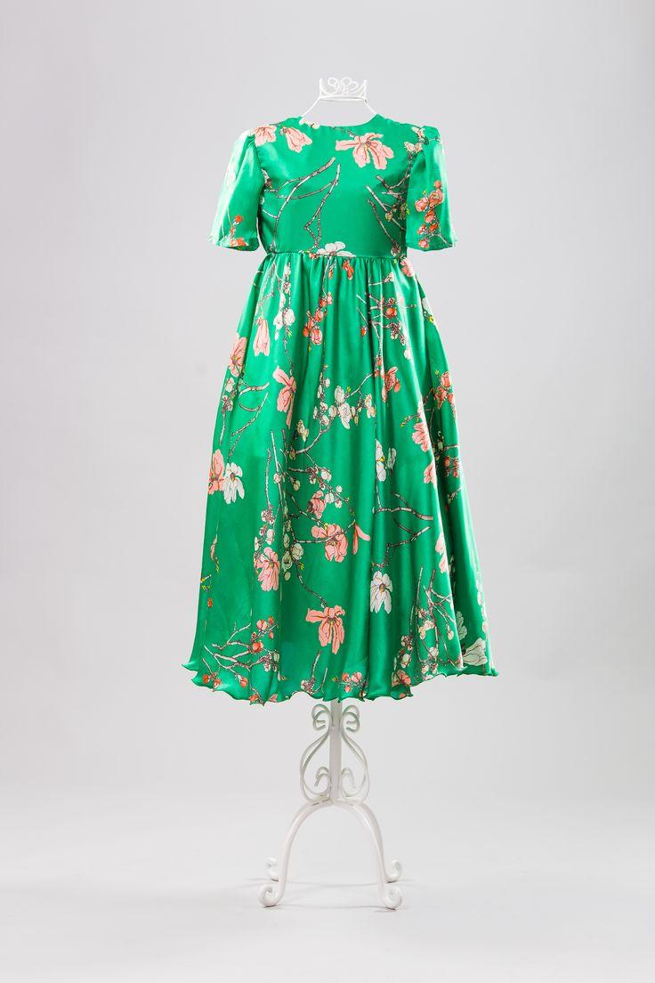 Twirl, beautiful silk dress.
