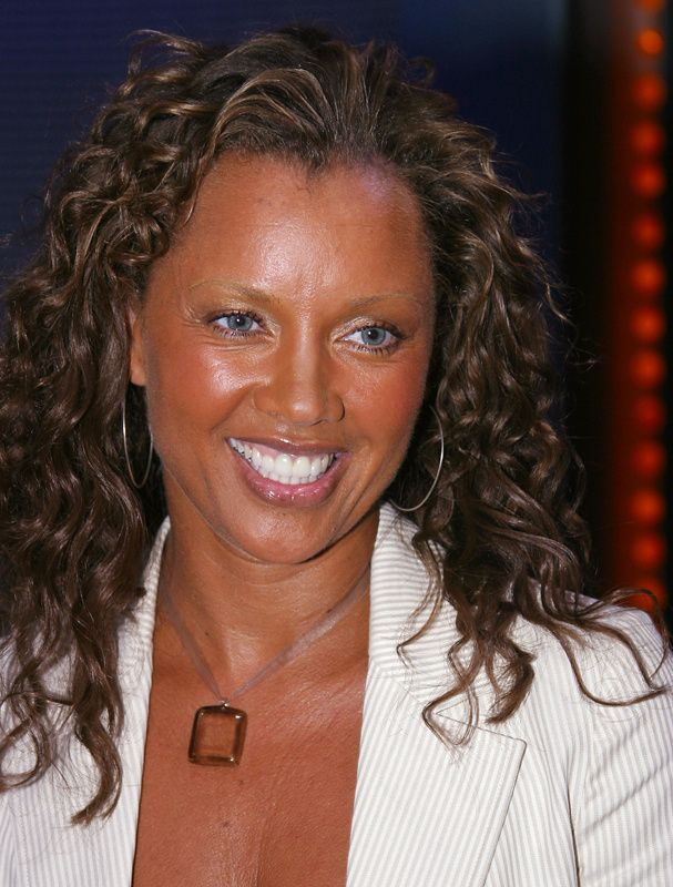 Le CV beauté de Vanessa Williams | CHLOE FASHION HOUSE ...