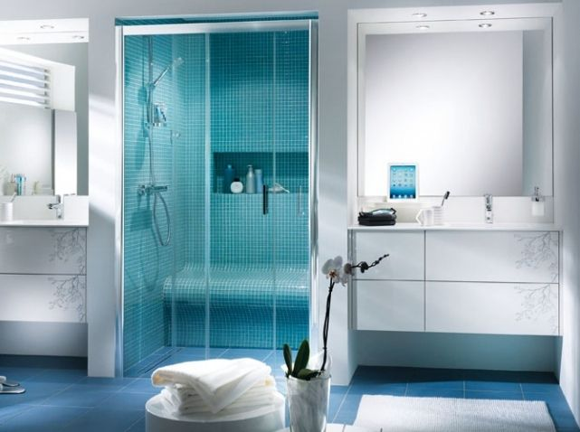 les 25 meilleures id es de la cat gorie salle de bain turquoise sur pinterest pantone. Black Bedroom Furniture Sets. Home Design Ideas