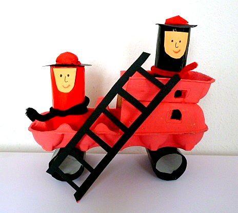 Feuerwehrauto aus Eierkarton - Papier Basteln - Meine Enkel und ich - Made with schwedesign.de
