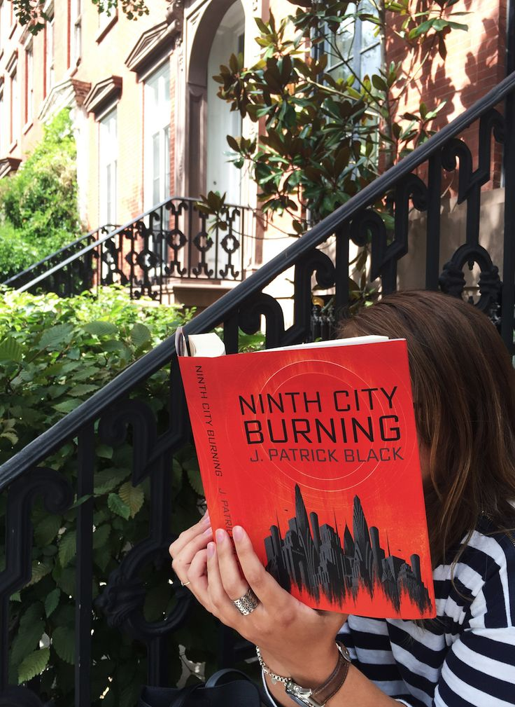 Looking for sci-fi with #strongwomen characters & a hint of magic? You'll love #NinthCityBurning, out now from @BerkleyPub! #JointheLegion