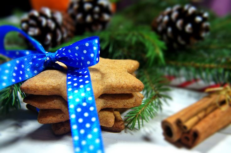 Christmas cookies with cinnamon.