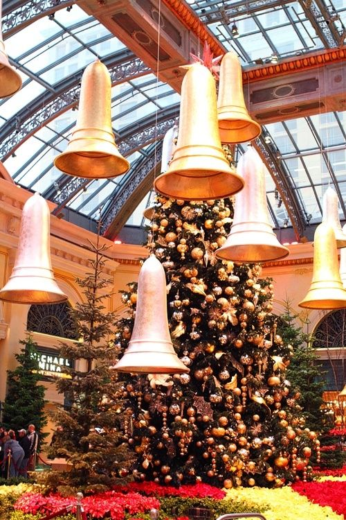 Five Fun Things to Do in Las Vegas During the Holidays -