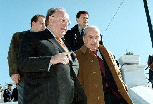 Ο Θ. Πάγκαλος και ο Ε. Γιαννόπουλος φθάνουν στα εγκαίνια. Φωτο: ΑΠΕ/ΜΠΕ