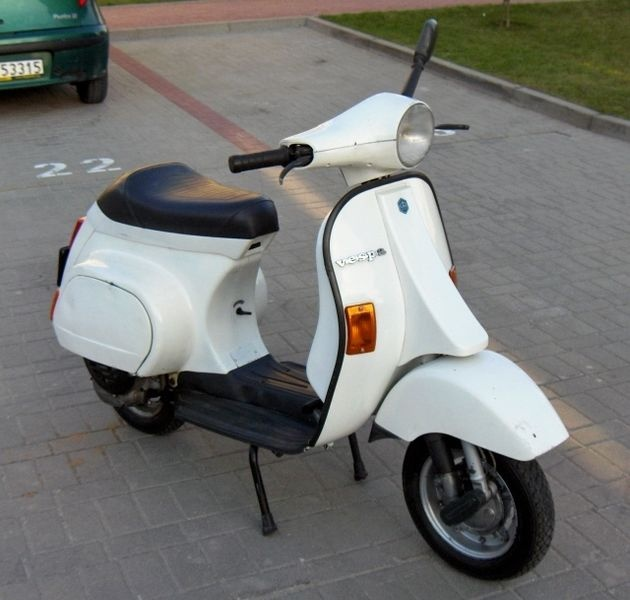1000 images about scooter 39 s on pinterest motor scooters. Black Bedroom Furniture Sets. Home Design Ideas