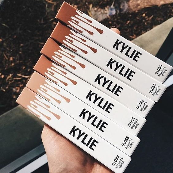 Kylie Jenner Cosmetics I   Click here to buy online!!  Follow us on Twitter: https://twitter.com/bestdealsneaker