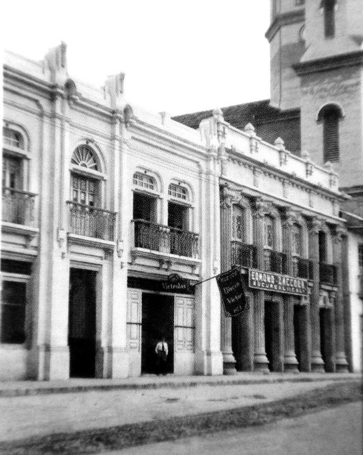 Memoria de ciudad: Costado occidental de la catedral Nuestra Señora de la Pobreza, sobre la calle 20 entre 7ma. y 8va.
